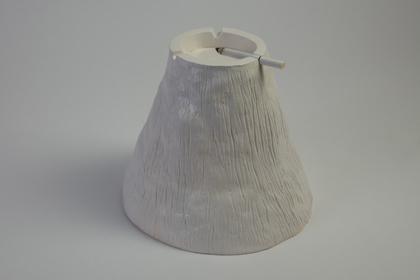Eyjafjöll - Jochen Gerner / faïence coulée emaillée - diam. 21,5x18 cm - 12 exemplaires - 350 €