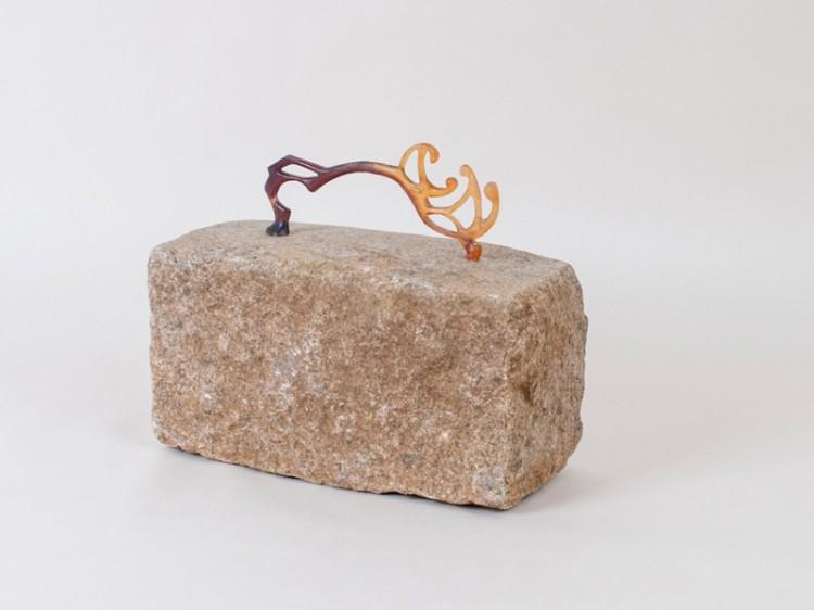 Souvenir de Nancy - Marc Thébault / pâte-de-verre et pavé nancéien - 17x13x26 cm - 12 exemplaires - 250 €