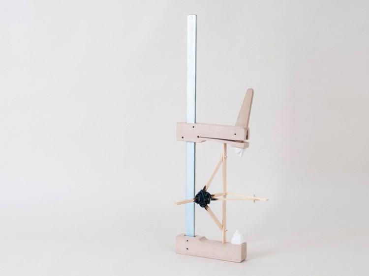 The rest of the sweetest part - Paul Souviron / bois,métal,faïence émaillée et cordelette nylon - 50x12x15 cm - 12 exemplaires - 200€