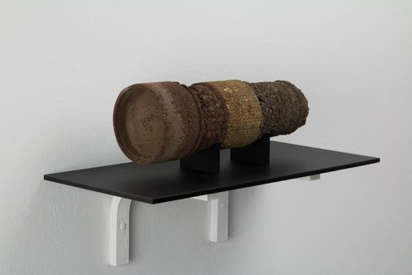 Focus - Harold Guérin / prélèvements de terre, résine epoxy - 22x8x8cm - 6 exemplaires
